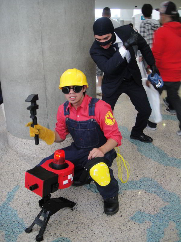spy and engineer from team fortress 2
